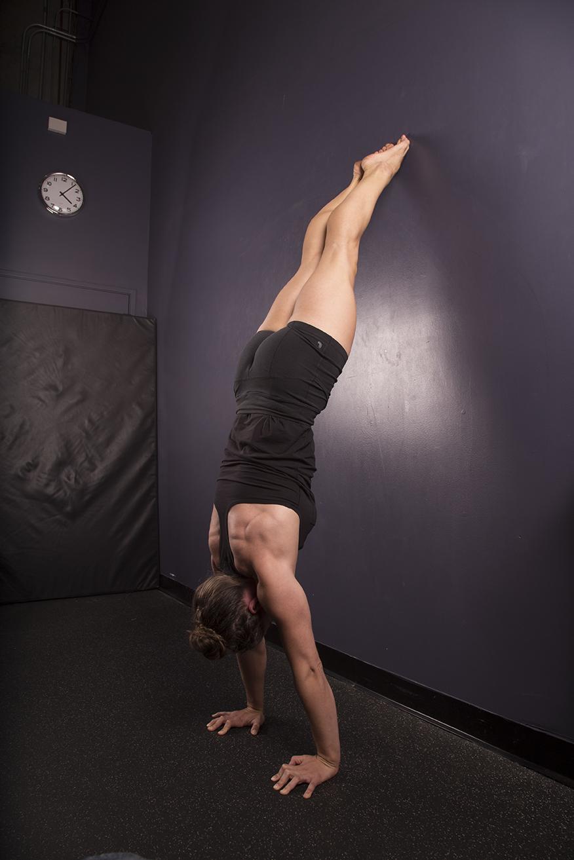 Nicolo Hand Balancing Choices340.jpg