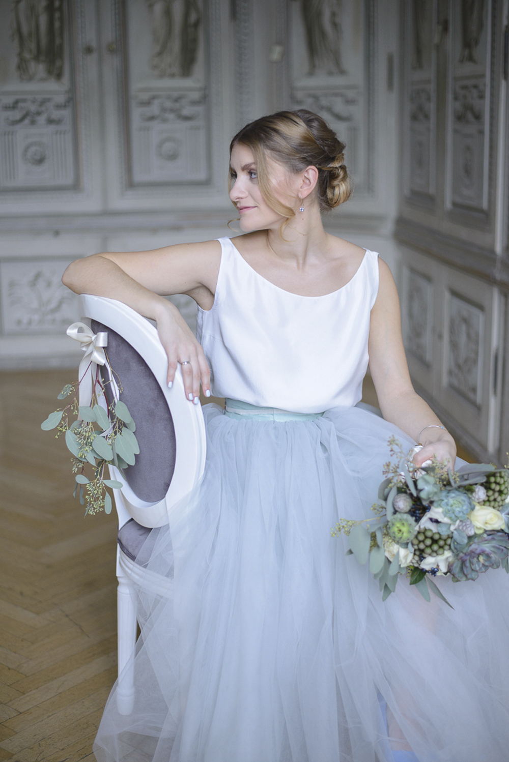 Winter baby blue grey and silver wedding inspiration Schloss Laudon Vienna Austria