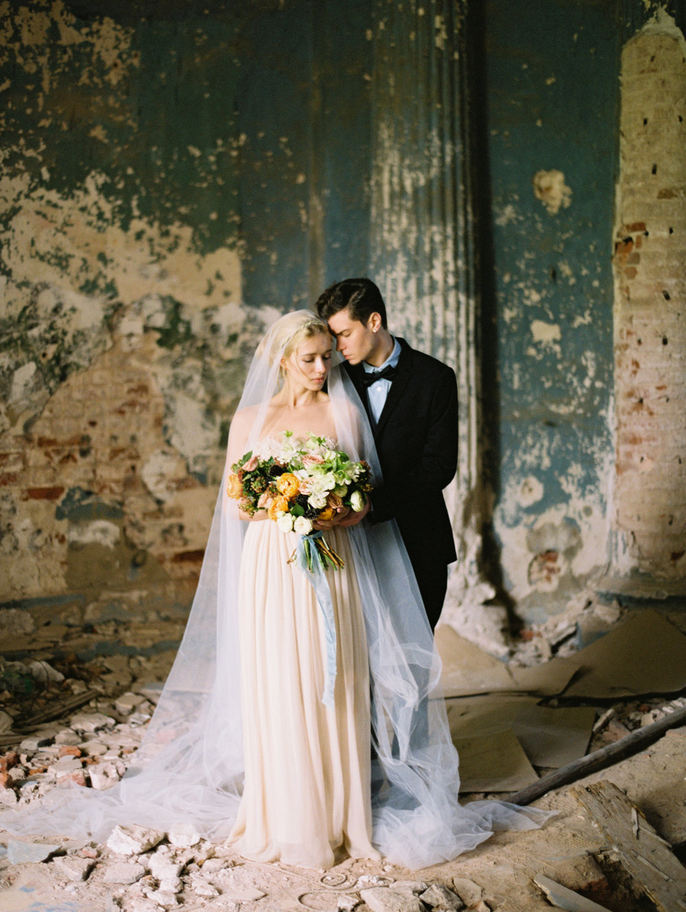 wedding-styled-shoot-russia-inspiration-elena-pavlova-photography-metamorphoses-orpheus-eurydice (29).jpg
