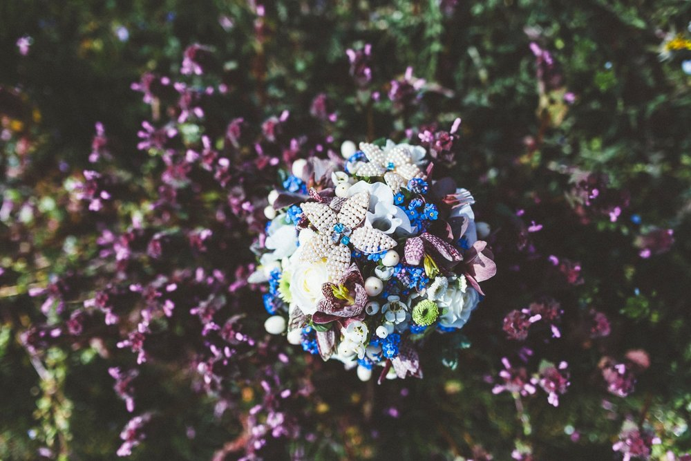 Alice in Wonderland themed same sex wedding styled shoot LGBT Graz Styria Austria Blumen Engele