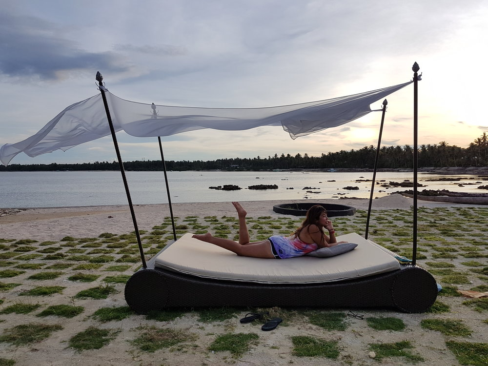 Enjoy the sunset view in Siargao Bleu's romantic al fresco couch. Thanks to Sandra for the pic!