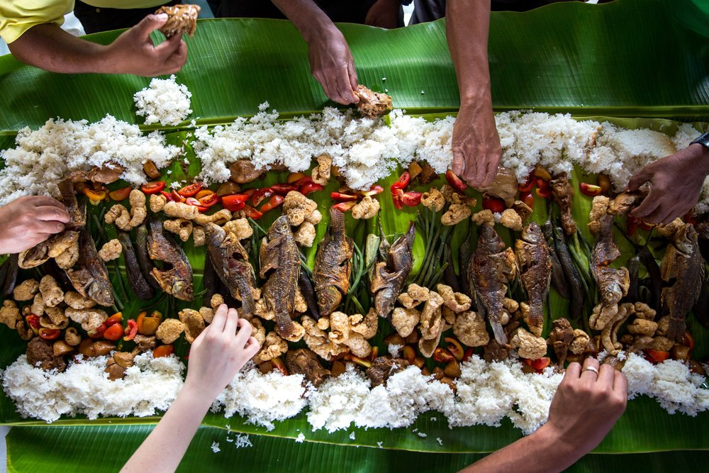 A kamayan feast which is everybody's favorite. Photo by Avel Chuklanov.