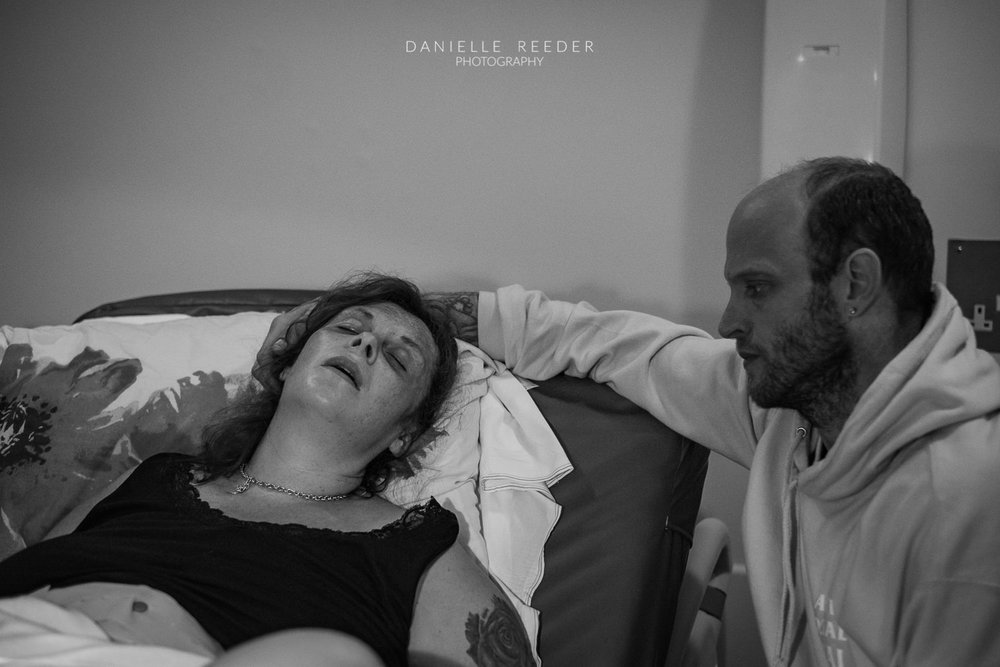Somerset Birth Photographer | Calm between contractions.
