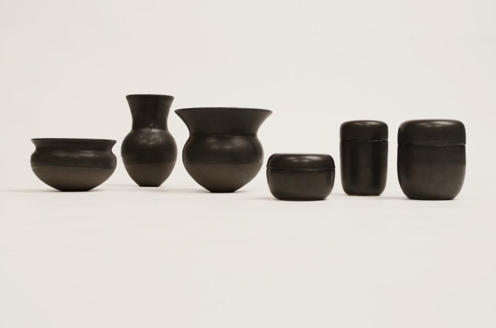 Form & Origin 日本 Stonware and Porcelain with Ku Kamo glaze Kyoto, Japan 2014