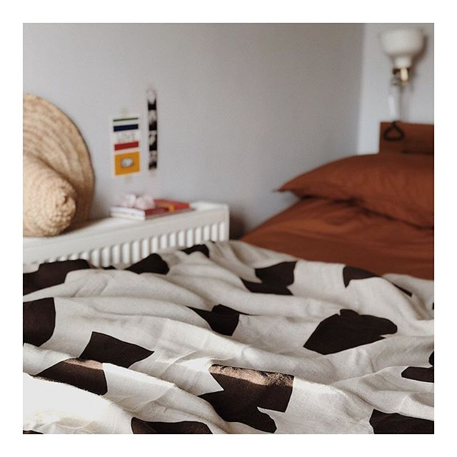 Bedside corner 🛌 featuring our MUSEUM printed linen throw ~ only 2 in stock ~ now online ~ link in bio
