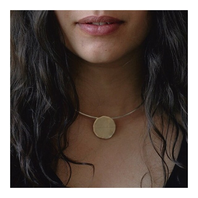 the meridian necklet 🌞 simple, elegant, everyday luxury 🌞 available in solid brass or silver ~ only one of each left ~ tap to shop