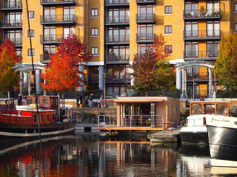 Floating Homes at St Katharine Docks.jpg