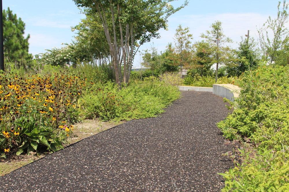Web_Crescent_Park3_Commercial_Landscaping.jpg