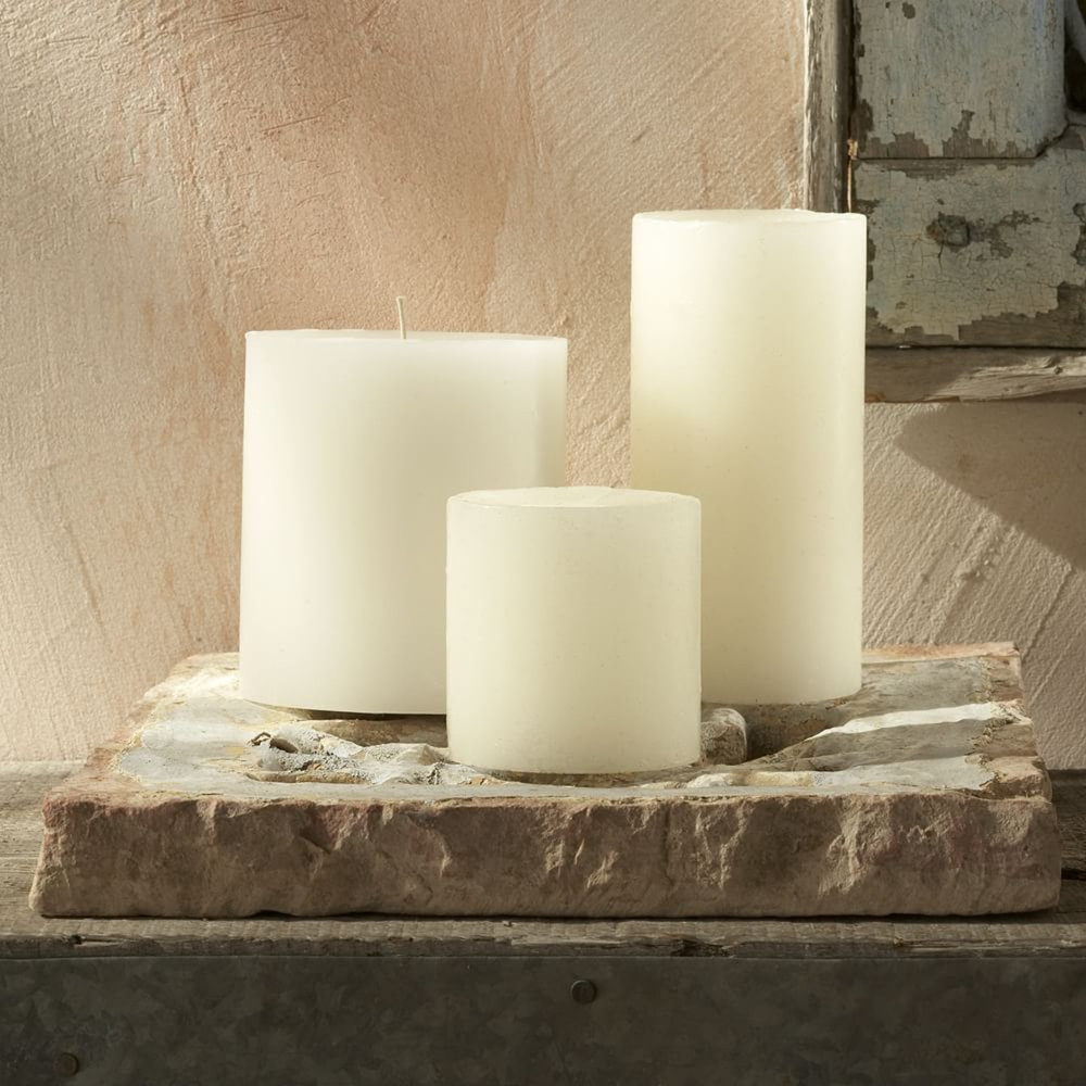 WE-unscented-round-pillar-candles-a026-zoom.jpg