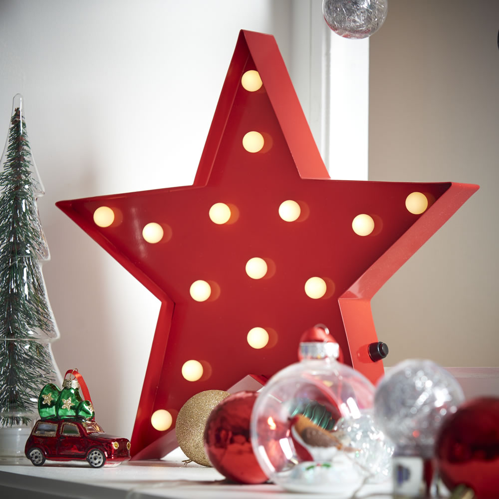 Wilko Nordic Country Metal Led Light Up Star Red.jpg