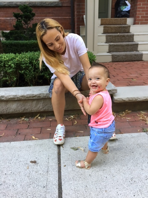 London  has been trying to walk since 6 months.