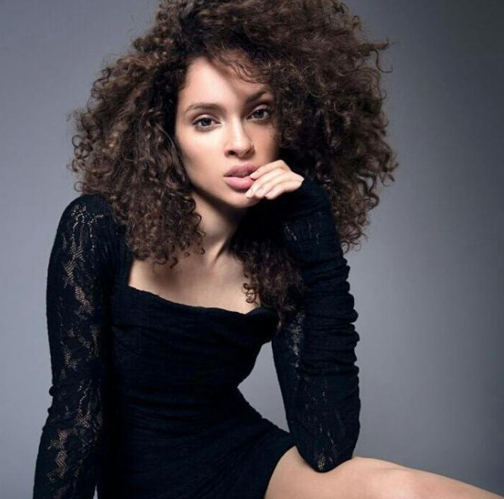Nastasia: professional model, mother, and entrepreneur.Photo via @ nastasiascott !