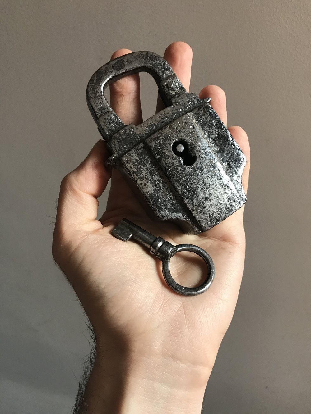 teremok_antiques_antique_padlock_1.JPG