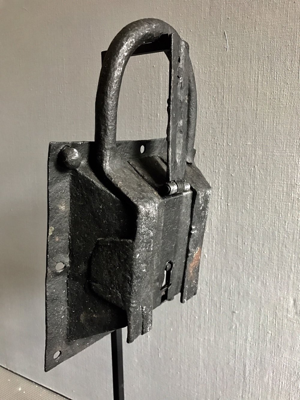 teremok_antiques_medieval_padlock_6.jpg