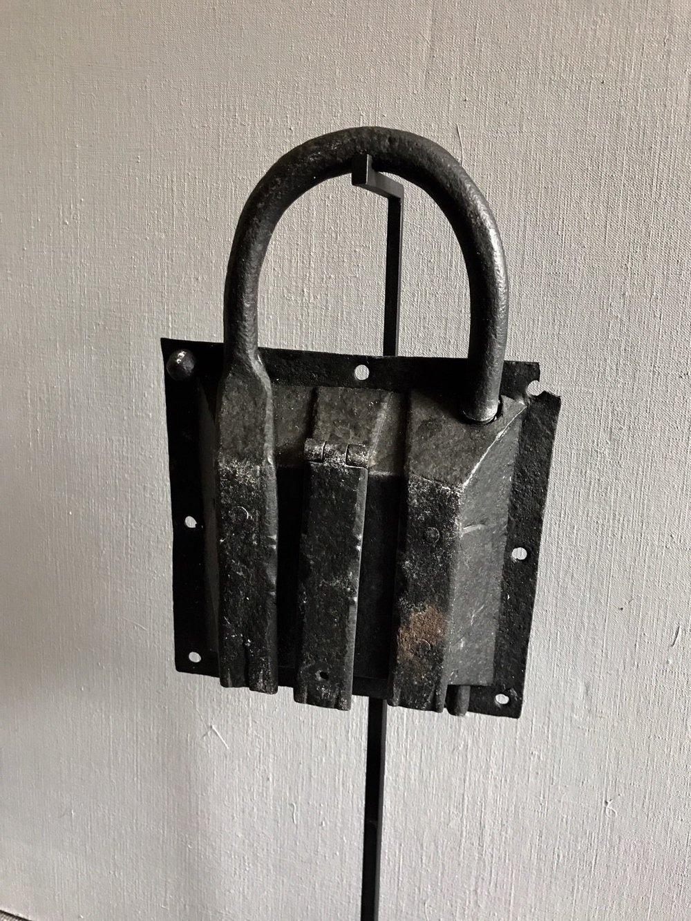 teremok_antiques_medieval_padlock_7.jpg