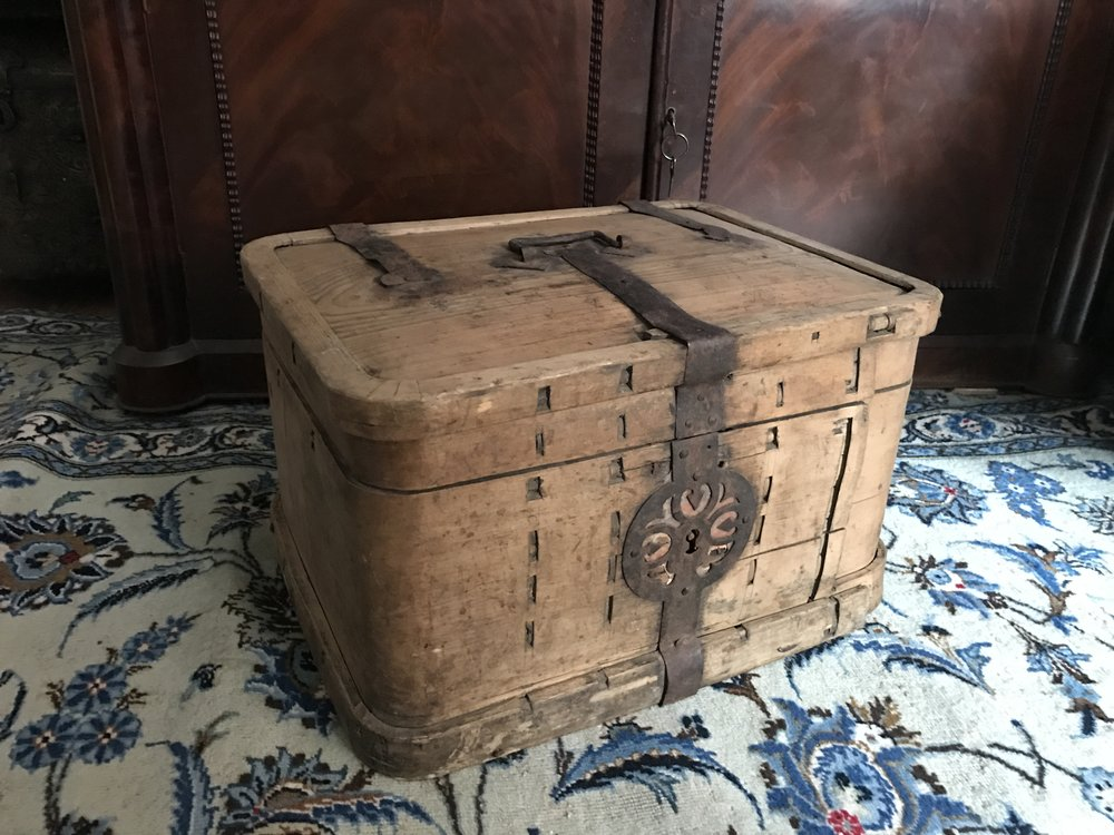 teremok_antiques_russian_Casket.JPG