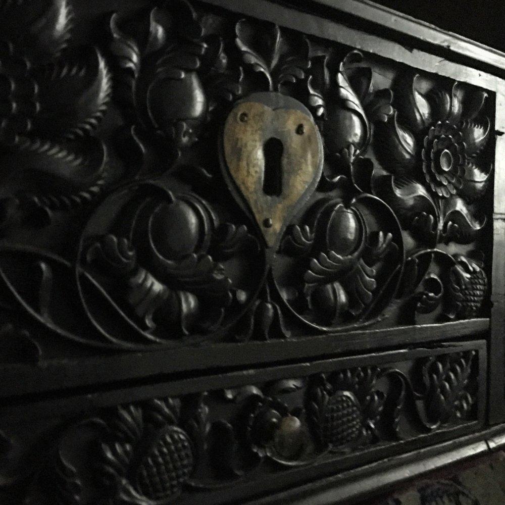 Teremok_antiques_ebony_sri_lanka_ceylon_casket-3.JPG