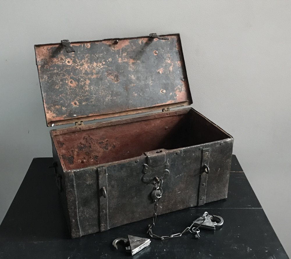 teremok_antiques_german_casket_4.jpg