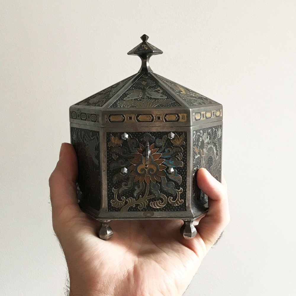 teremok_antiques_orientalist_casket_1.jpg