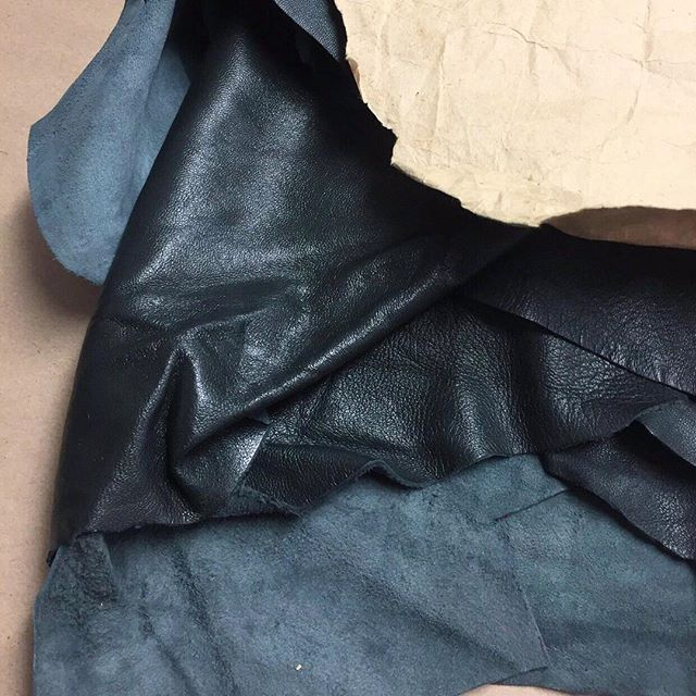 Cloth is one thing, but skin on skin is the new way to stay warm this winter. ✂️#leather #materials #fabrics #textiles