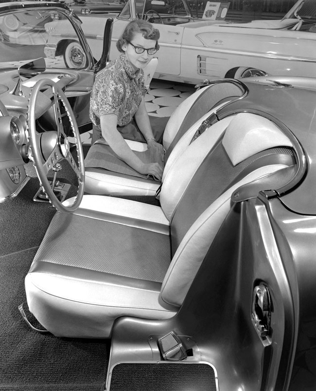 Glennie with the Fancy Free Corvette, 1958