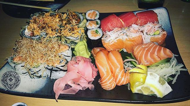 - a wonderful Tuesday sushi lunch at @wakameksa... 7️⃣🍣🍱 #7 #wakame #sushi #jeddah #ksa #tuesday #photooftheday