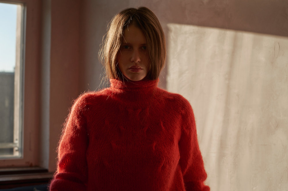MAIAMI   // DE    Traditionally handcrafted knits mixed with modern components, with focus on a sustainable and transparent work process.    Visit them.