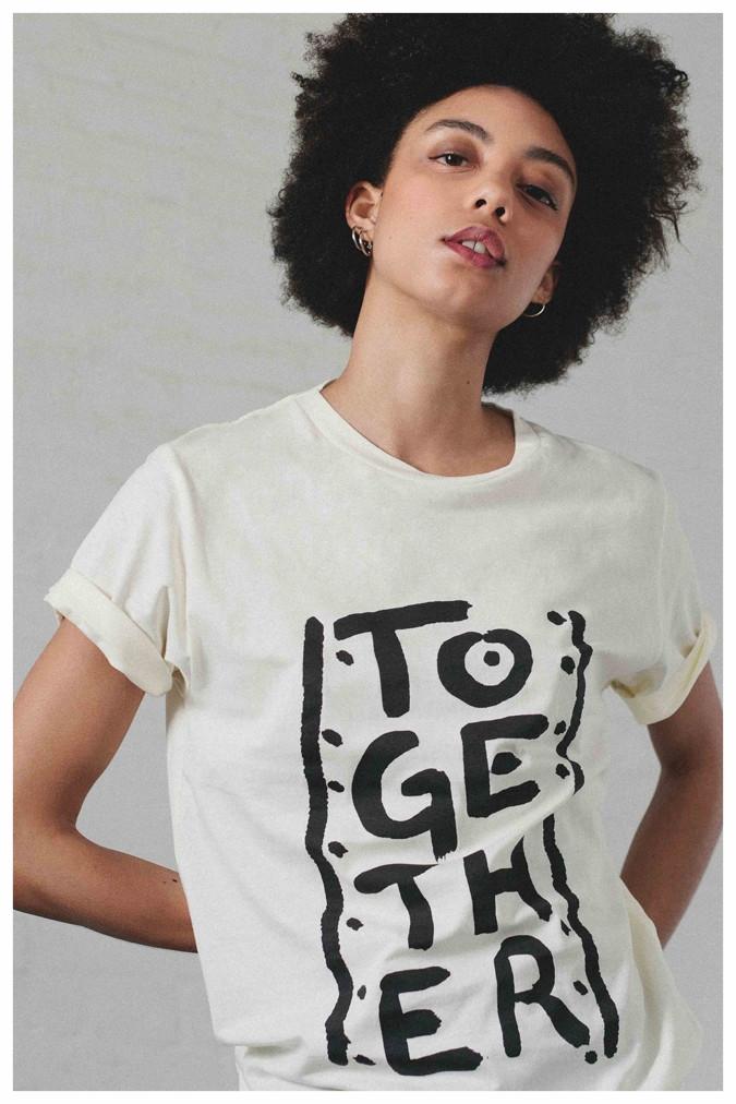 WEB_-_togehter_t-shirt_ecru_2.jpg
