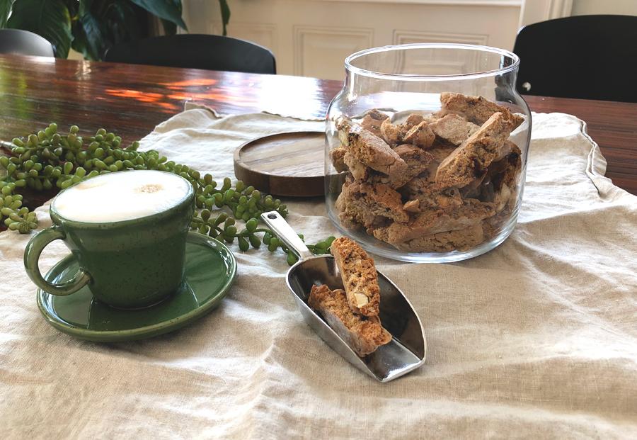 Cantuccini aus Vollkormehl, einfache Kekse, lange haltbar