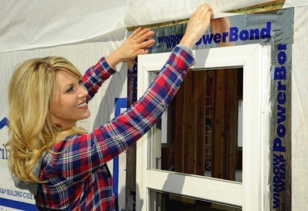 WindowWrap® PowerBond™ allows builders to extend their project into colder months like late fall or early spring.