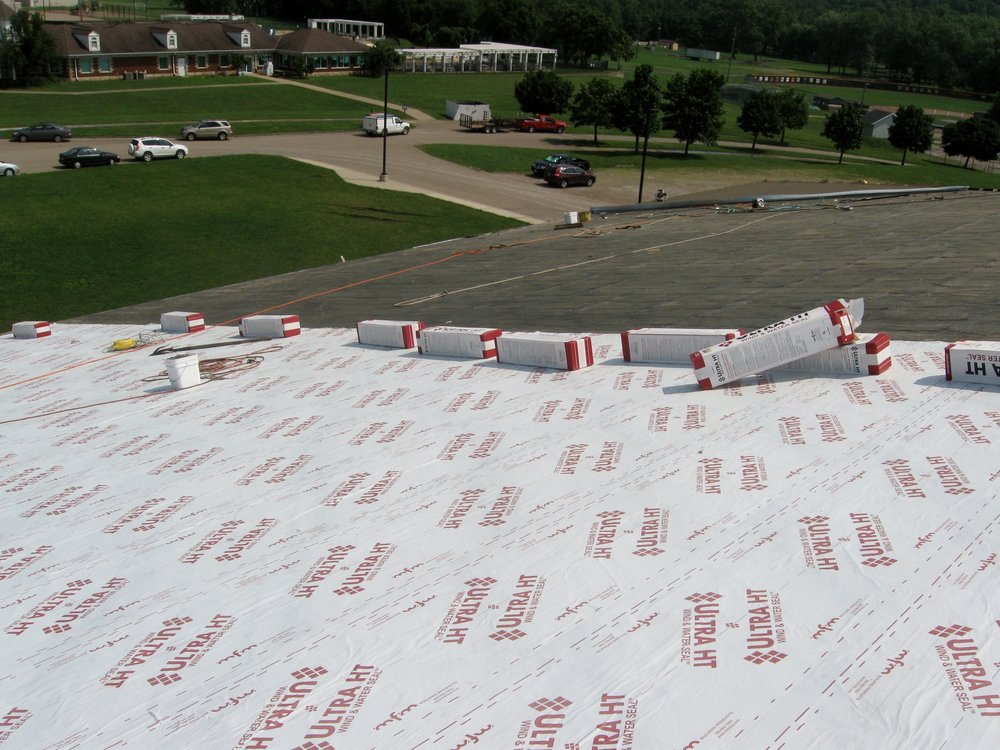 Ultra HT lays out smooth and aggressively adheres to the roofing substrate. The high temperature adhesive is rated to 250°F to withstand the extreme heat under metal roofing panels.