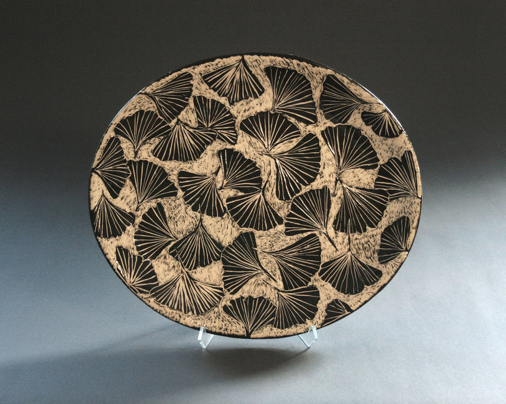 Ginko carved plate, clay, Artist Name