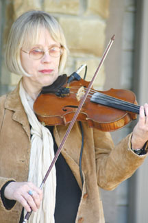 Carolyn Dutton.jpg