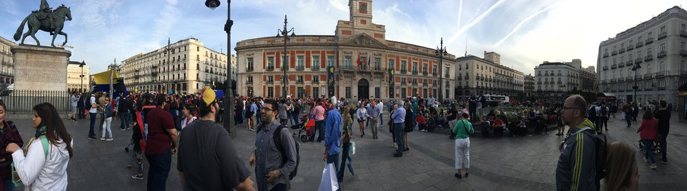 A busy Madridian (is that a word?) Square
