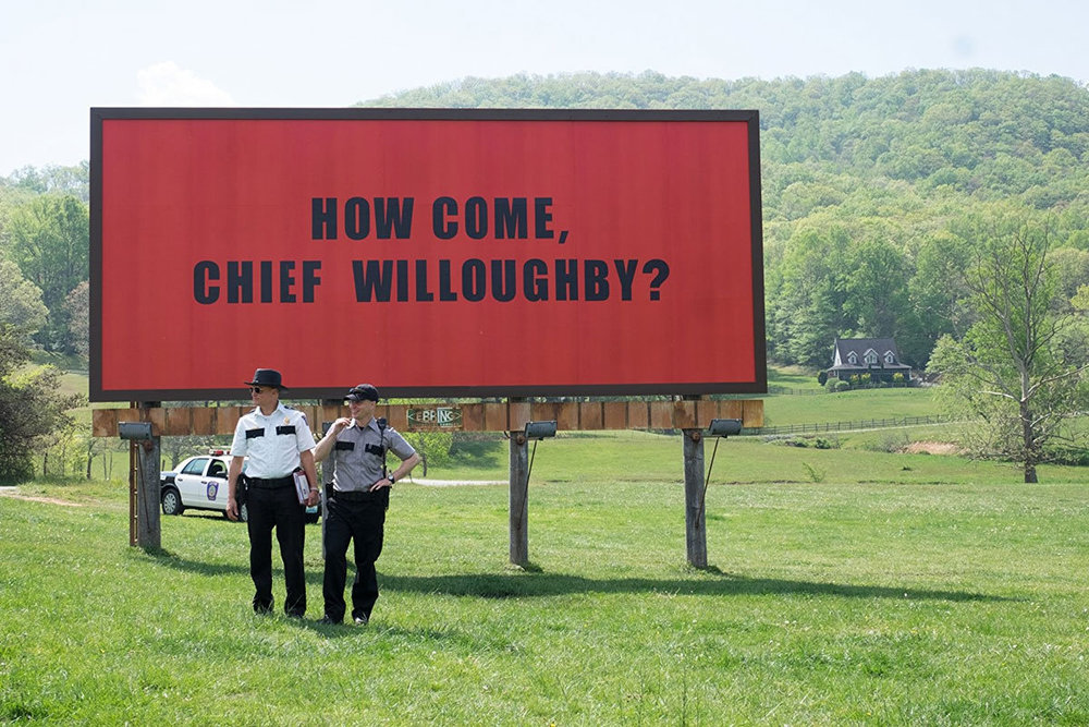 "Harrelson and Rockwell in ""3 Billboards"" / Fox Searchlight"