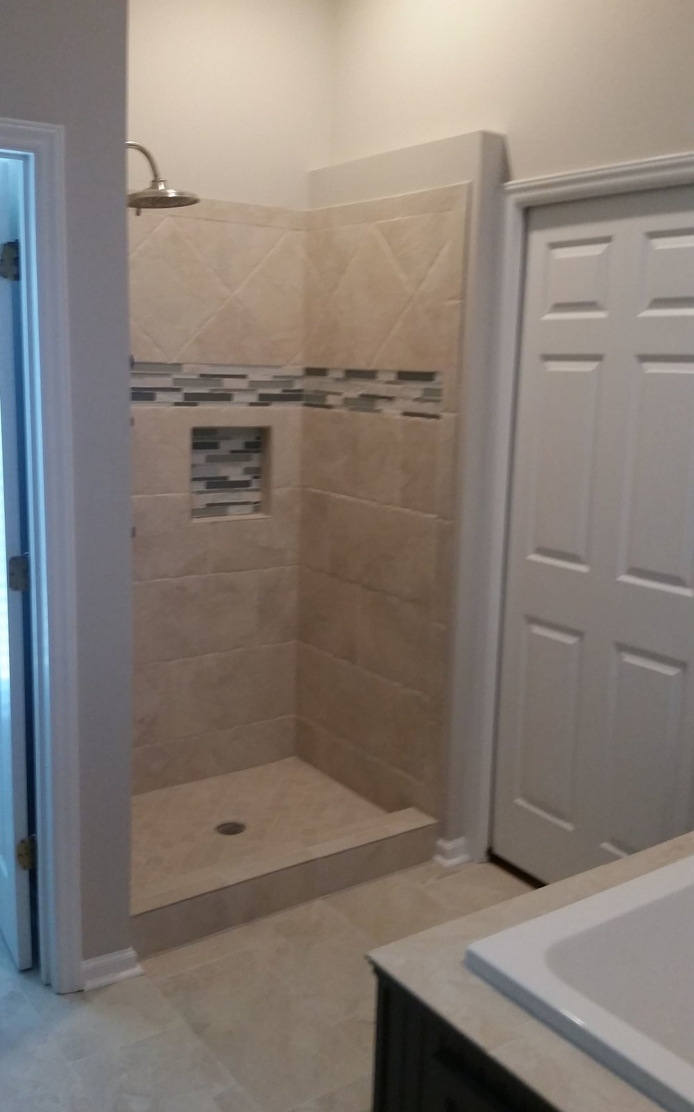 Tiled Shower Recess