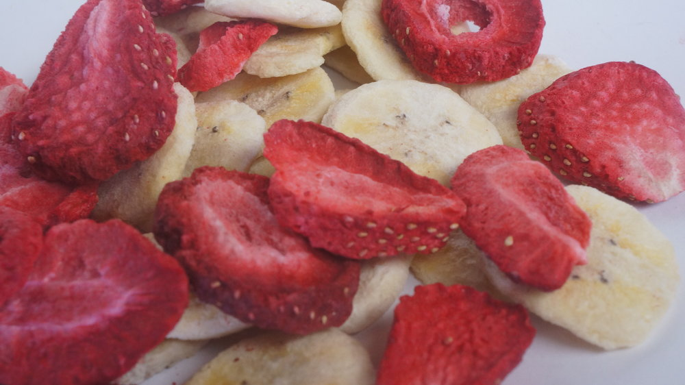 strawberry-banana-freeze-dried-chips-snack