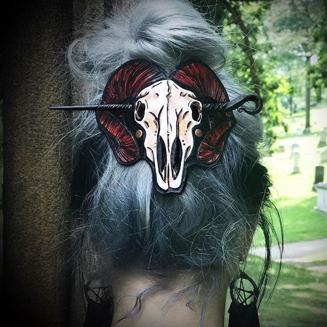 "🖤Nomadic Bones🖤 : "".....beyond the cloak of materialistic gains Lies abundant life & beauty in decay..."" : Ram skull hairslide set worn by @adriennerozzi pin by @artifactmetalworks! I'll have a few in the next release! : 🖤🍁🖤"