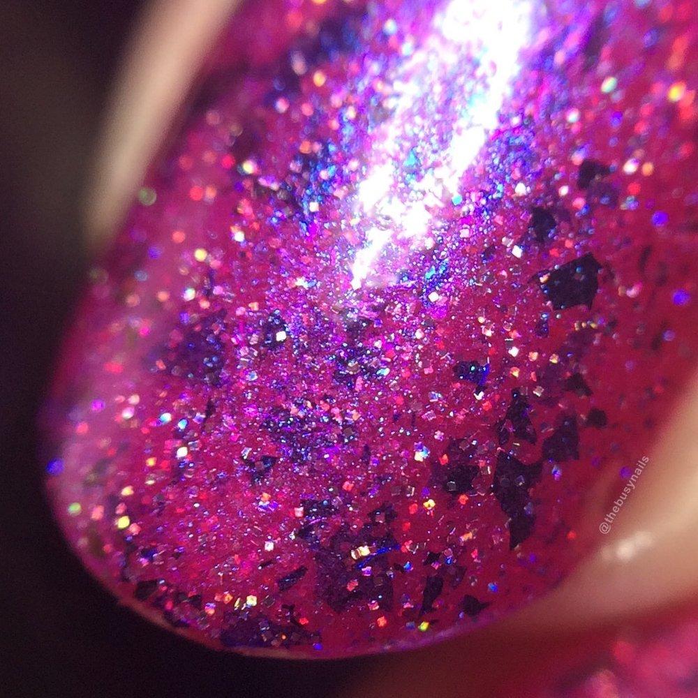 pinkvelvetcake-macro.jpg