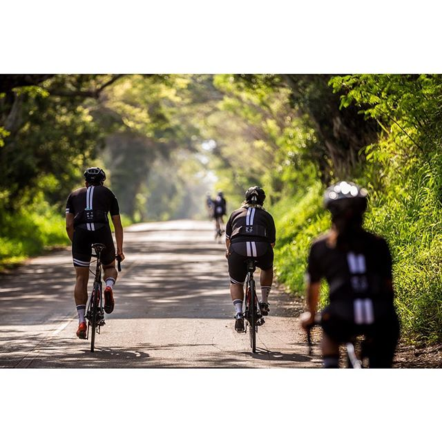 When days like these become a reality #ntsqvelo #ridestayeat 📷: @stirlandraephoto