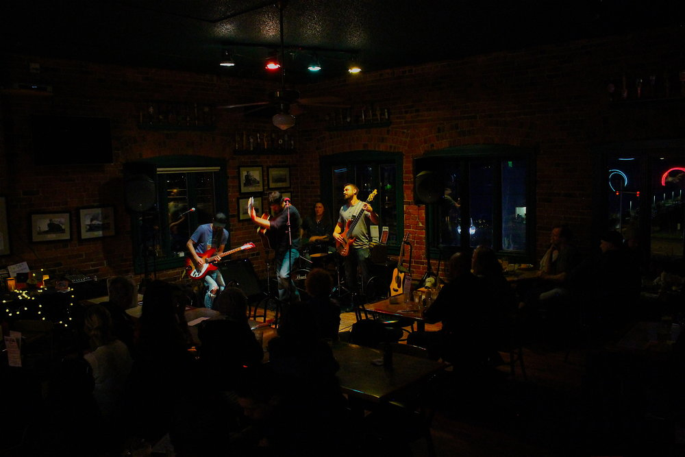 Full band I Spar Tavern 4:18.JPG