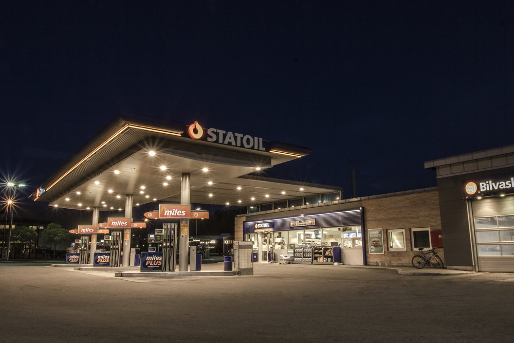 Statoil Kallerud - Night.jpg