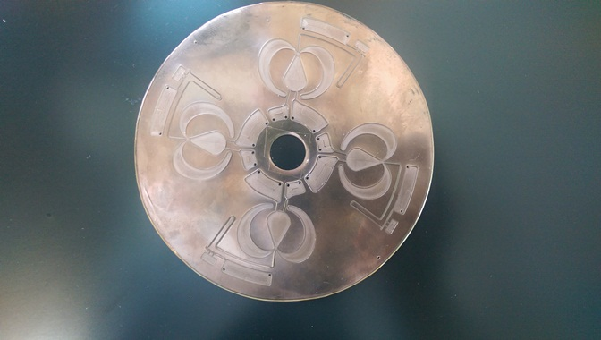 Centrifugal microfluidic disc milled on Roland