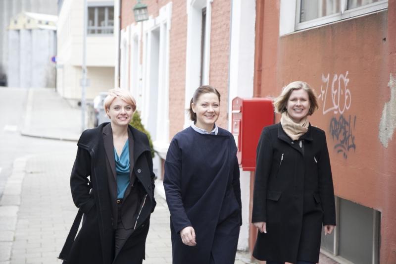 Bilde: Vicky Green Samulsen (EIR of Norway), Elisabeth Øvstebø (X2 Labs, Link VC), Gry Løkke (Blue Lice). Karoline Sjødal Olsen var på reise da bildet ble tatt.