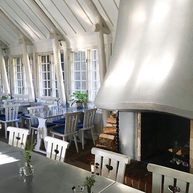 Vacker förmiddag & nystekt strömmingsflundra på menyn ikväll. Välkomna upp till oss!#familjenjohansson #backstugan #gamlafilmstaden #råsunda #balticherring #strömming #classic #välkomnaupptilloss