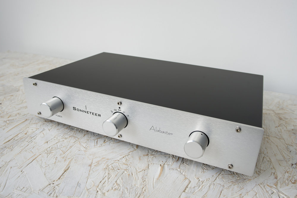 sonneteer-alabaster-integrated-amplifier-002.jpg