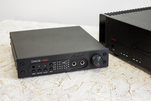benchmark-dac2-hgc-digital-to-analog-audio-converter-001.jpg