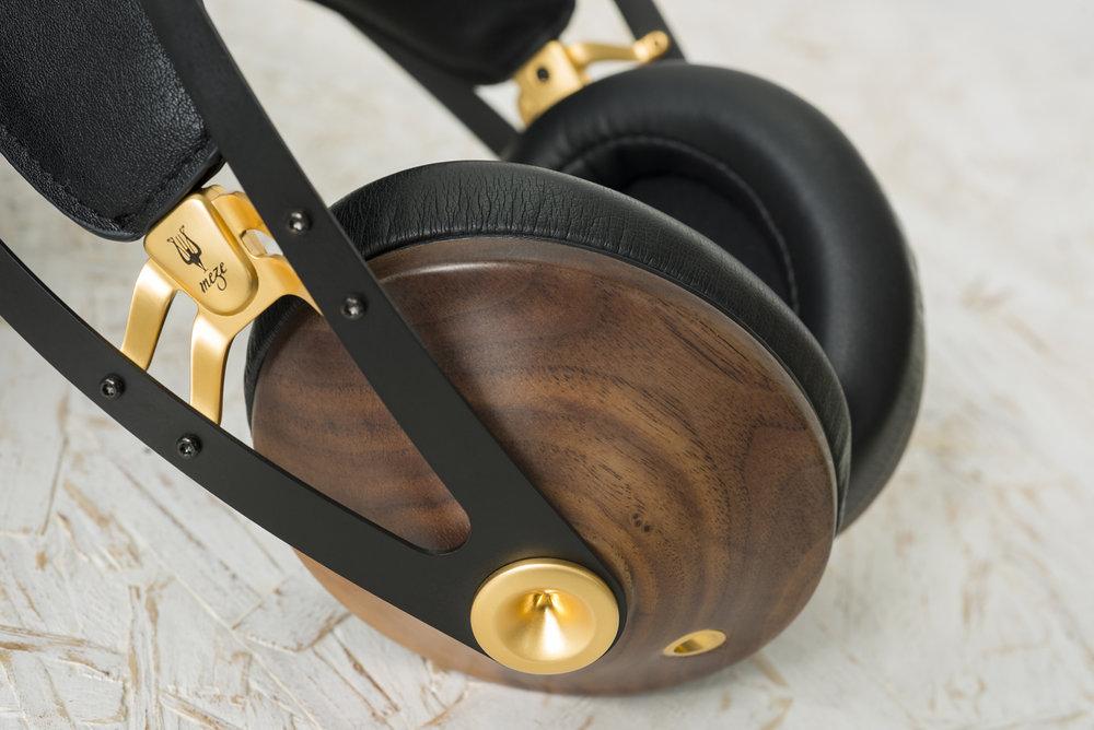 meze_99_classics_headphone_002.jpg