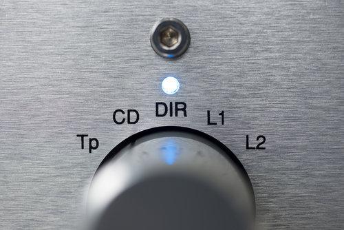 "<a href=""/hifi-amplifiers"">AMPLIFIERS</a>"