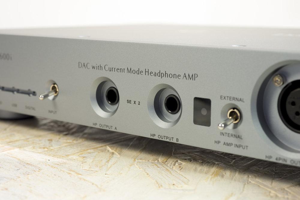 questyle-cma600i-headphone-amp-004.jpg